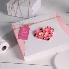 romantic gift wrapping ideas festive box love mage