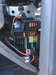 how to centre console usb port how to guides 4 run the 12v female socket through the side of your dash where the fuse board is and just guide it towards the centre console on the bottom of your