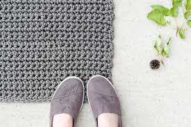 Shoe Rug How To Crochet An Outdoor Rug For Beginners Mama In A Stitch