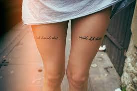 Tattoo Schriften Schrift Frauen Oberschenkel Tattooideen Tattoo