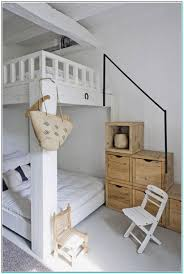 How To Make A Small Bedroom Look Bigger How To Make A Small Box Bedroom Look Bigger Torahenfamiliacom
