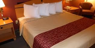 red roof inn suites mobile tillmans corner king room