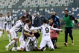 En sus últimos dos encuentros directos se ha dado un triunfo por bando, ambos con diferencia de un solo gol; Manu S Grab Bag Supercoppa Champions Black White Read All Over
