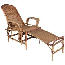 Art Deco Reclining Wicker Lounge Chair with Detachable Foot Rest