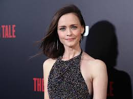 If you look closely at Alexis Bledel