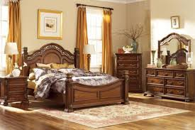 Maletto 5-Piece Queen Bedroom Set with 32