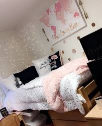 Pin by Alexa Mims on Girly Apartment Inspo | College room decor ...