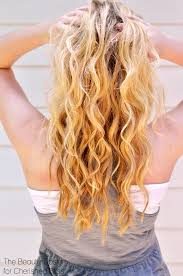 diy beach spray this tutorial is a sdy alternative for the hot summer hair trend by using a curling