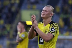 Transfer talk is live with the latest. Match Ratings Bvb Topple Frankfurt In First Match Of The Bundesliga Season Fear The Wall