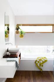 Schmales Fenster Im Bad Baños In 2019 Badezimmer Ohne Fenster