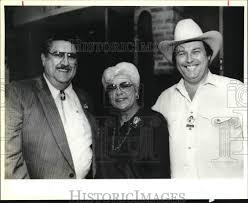 1991 Press Photo Charles Garcia, Bette Lloyd and Ivan Romjue at S.A.L.E.,  Texas | eBay