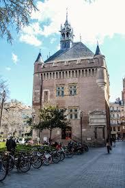 Toulouse Toulouse Donjon Du Et Capitole Midi Pyrénées Bienvenue France En