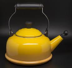 le creuset  l ( quart) whistling tea kettle yellow  what's