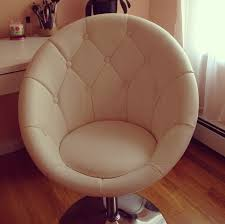 capricious makeup vanity chair 1000 ideas about vanity chairs on