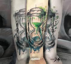 фото татуировки песочные часы в стиле акварель вип шейдинг