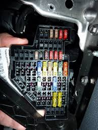 addition of extra circuits to the volkswagen golf jetta passat installation of new circuits this guide is for rhd volkswagen golfs the lhd fuse box