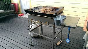 picture of how to make an outdoor griddle