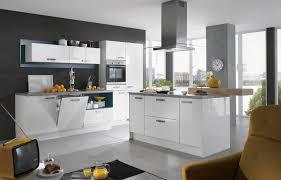 küche schwarz weiß hochglanz kuche weis weiss fliesen moderne