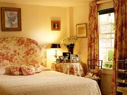 Bed Linen Decorating Bedroom Wonderful Women Bedroom Decorating Ideas With Orange