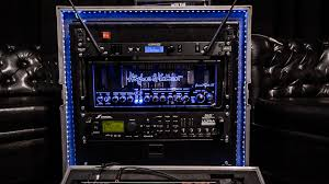 the armin rauls rack setup on top a line 6 wireless unit then the