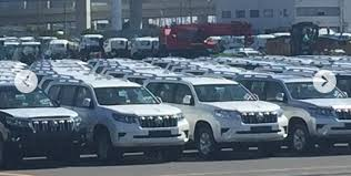 toyota prado 2018 new model. 2018 toyota land cruiser prado dealership yard spy shot will release the new model w