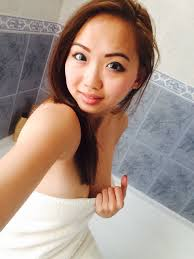 Taking naked photos in the shower with my phone Harriet Sugarcookie