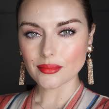pink and red makeup is trending on