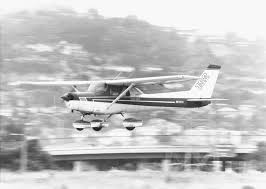 cessna flyer association cessna 150 152 the little trainer that did whelen aviation lighting at Wiring Diagram Taxi Light Cessna 150d