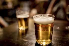 Resultado de imagem para fotos de bebida em copo