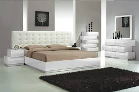 Est.King Size Bedroom 4pc Set White Finish | Hot Sectionals