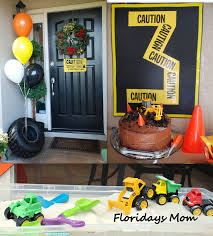 Construction Birthday Party Decorations Love The Cake Sand Pit And The Age Sign Made Out Of Caution Tape
