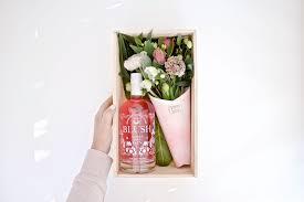 pre order mini blooms blush gin gift box