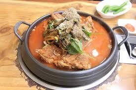 吃喝樂遊記- #韓國首爾美食弘大的二代祖豬骨湯(李太祖脊骨土豆湯)搬家了原本在轉角處的店鋪,... | Facebook