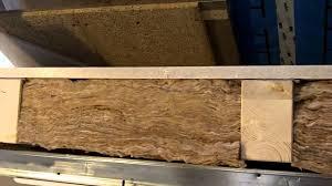 Prüfe, wo die balken langgehen. Super Schallschutzverbesserung Holzbalkendecke Im Detail Youtube
