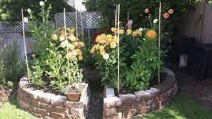Keyhole Garden Design Inspiration DIY Keyhole Garden Thehomesteadingboards