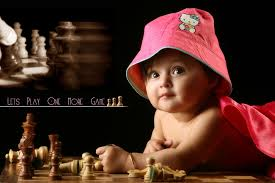 baby play with chess hd cute wallpaper free