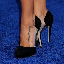 татуировки на бедрах у девушек татуировка на бедре