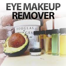 picture of 8 incredible eye makeup remover hacks