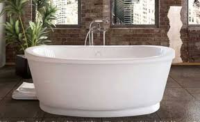 vintage tub features a sleek design with an vintage bath style