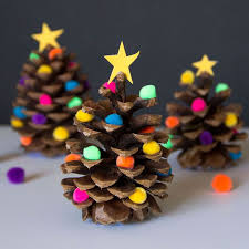 21 Best DIY Pine Cone Craft Ideas  Homemade Christmas DecorationsPine Cone Christmas Tree Craft Project