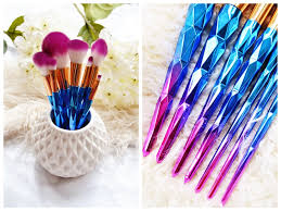 unicorn brush set. anyway, onto the review and lots of pretty up close images these stunning ombre unicorn brushes! brush set