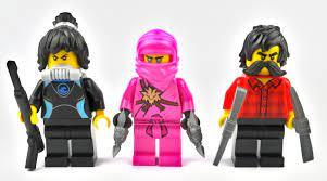 LEGO Ninjago 71708: Gamer Marktplatz mit 9 Minifiguren im Check