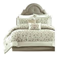 green velvet bedding velvet comforter sets emerald green velvet bedding red velvet in comforter set renovation