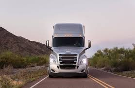 2019 Freightliner Cascadia Green Engine Light Makers Of Fuel Guzzling Big Rigs Try To Go Green Wsj