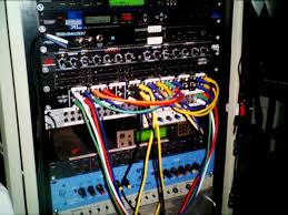 z labs dsp development e music rig right rack lower multi effects midi matrix processor compressor parametric eq upper patch bay lower patch bay rnc vl70 m sub mixer eq3