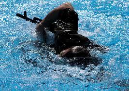 Около ста спортивных разрядов выполнили военнослужащие ЗВО во  Около ста спортивных разрядов выполнили военнослужащие ЗВО во время окружного чемпионата по военно прикладному плаванию