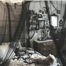 gothic room shared by 𝔥𝔞𝔫𝔫𝔞𝔥 on we heart it