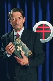 john hurt v for vendetta. Simple Hurt And John Hurt V For Vendetta