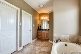 Better Homes And Gardens Bathrooms Beauteous 48 Triple R Dr La Vernia 48 Better Homes And Gardens Real