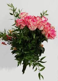 Screzi di rosa Bouquet di rose rosa-sfumato consegna domicilio gratis |  Pattiflora.it